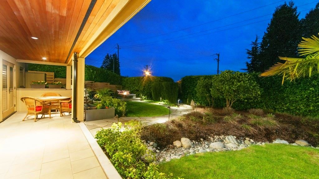 Photo 20: 2710 MARINE Drive in West Vancouver: Dundarave House for sale : MLS(r) # R2157755