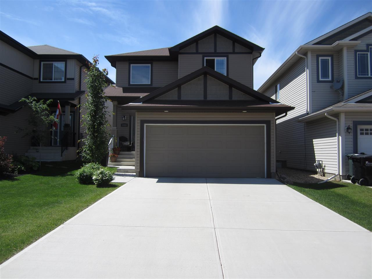 Main Photo: 1016 FOXWOOD Crescent: Sherwood Park House for sale : MLS(r) # E4068805