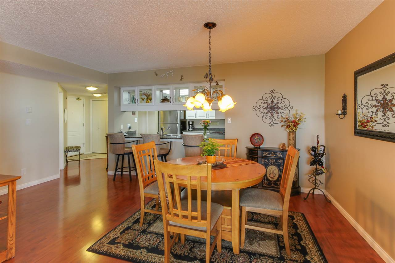 "Photo 7: 1606 69 JAMIESON Court in New Westminster: Fraserview NW Condo for sale in ""PALACE QUAY"" : MLS(r) # R2177945"