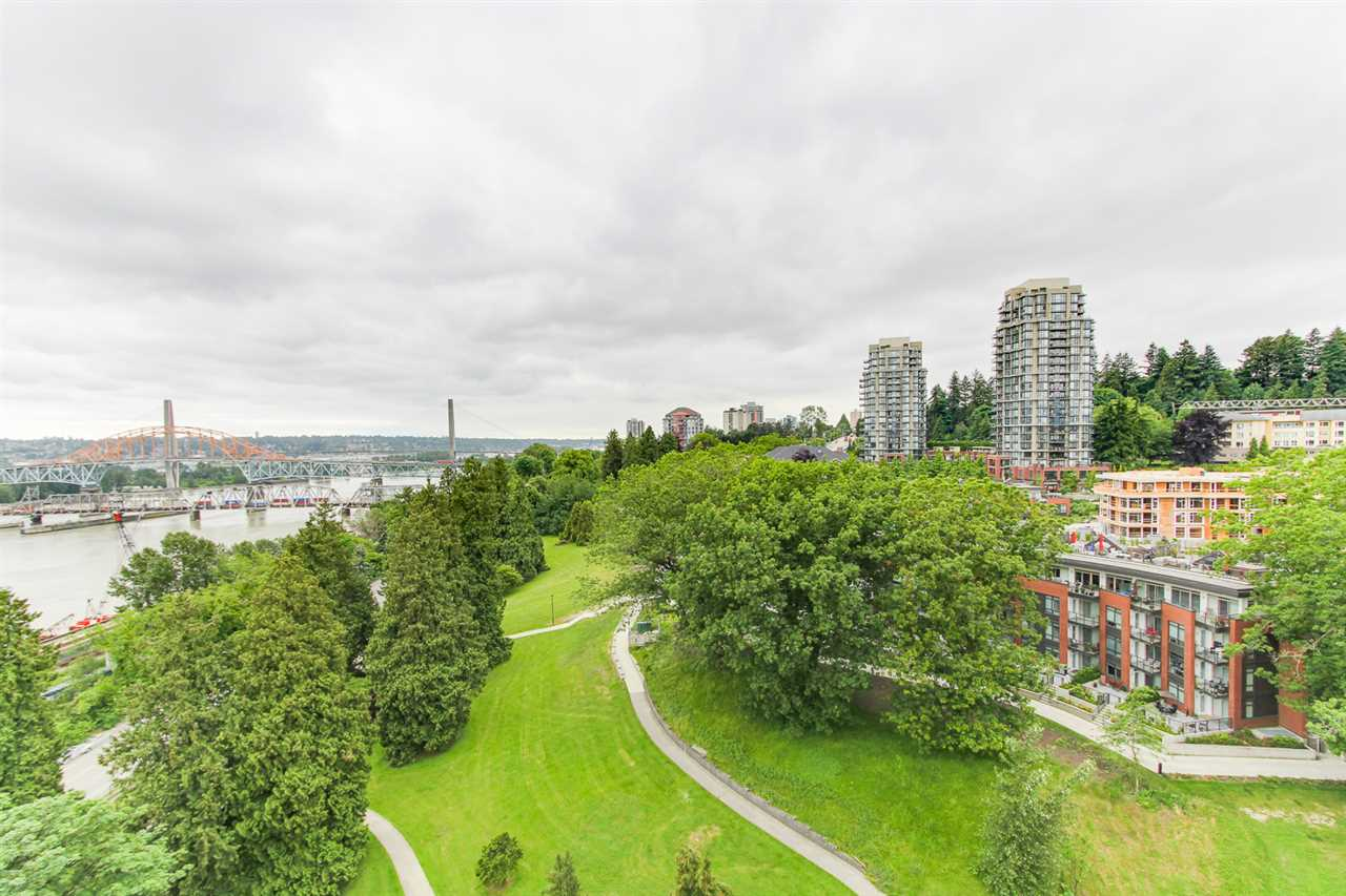 "Photo 4: 1606 69 JAMIESON Court in New Westminster: Fraserview NW Condo for sale in ""PALACE QUAY"" : MLS(r) # R2177945"