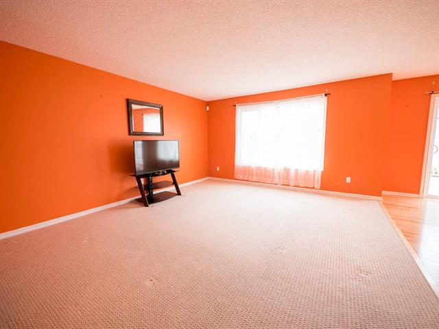 Photo 4: 1106 84 ST SW in Edmonton: Zone 53 House for sale : MLS(r) # E4062498
