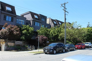 "Main Photo: 318 1990 W 6TH Avenue in Vancouver: Kitsilano Condo for sale in ""Mapleview Place"" (Vancouver West)  : MLS(r) # R2188094"