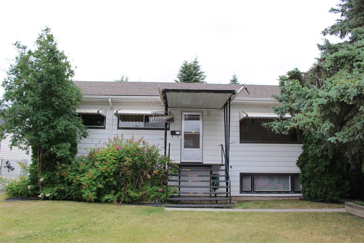 Main Photo: 13028 133 Street in Edmonton: Zone 01 House for sale : MLS® # E4074062
