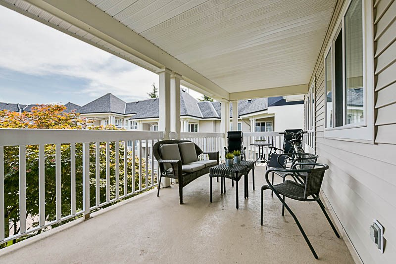 "Photo 15: 325 22020 49TH Avenue in Langley: Murrayville Condo for sale in ""Murray Green"" : MLS® # R2191187"