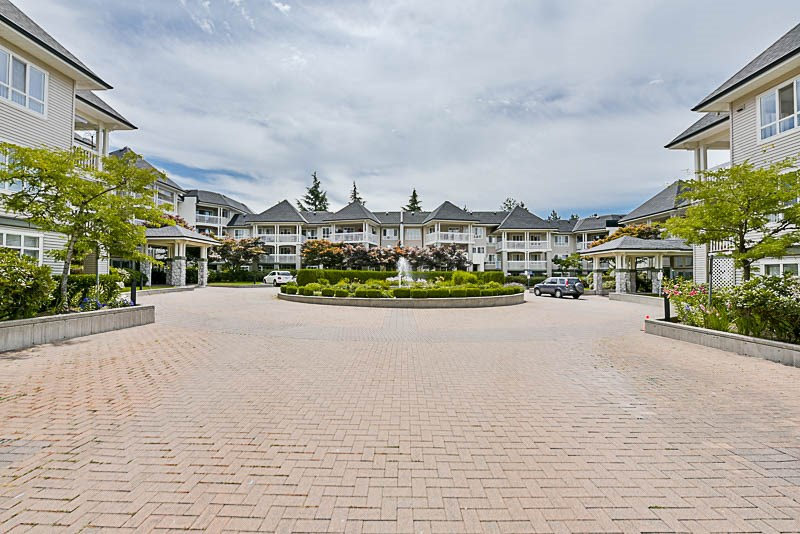 "Photo 17: 325 22020 49TH Avenue in Langley: Murrayville Condo for sale in ""Murray Green"" : MLS® # R2191187"