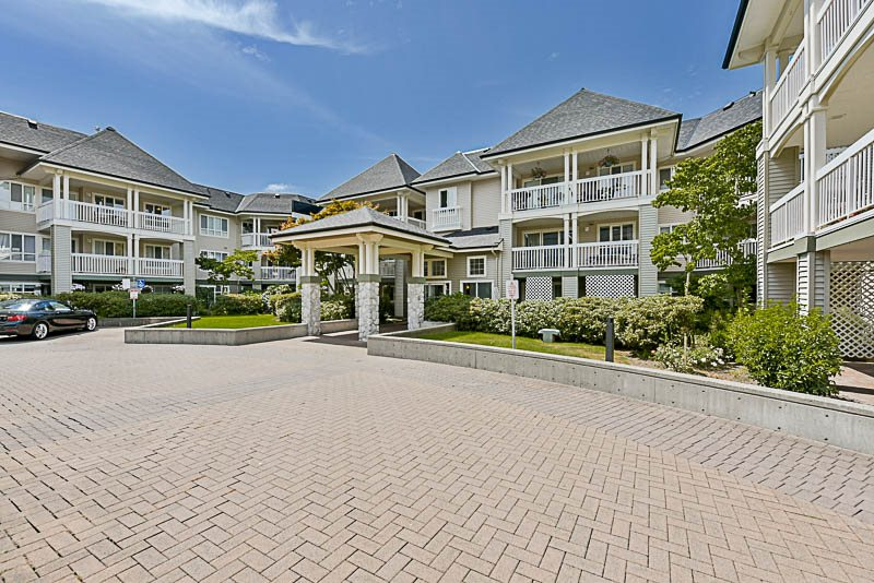 "Main Photo: 325 22020 49TH Avenue in Langley: Murrayville Condo for sale in ""Murray Green"" : MLS® # R2191187"