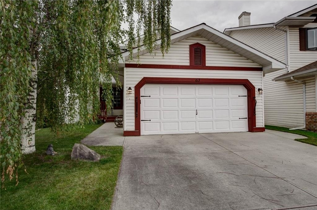 Main Photo: 63 RIVER ROCK Manor SE in Calgary: Riverbend House for sale : MLS® # C4131973