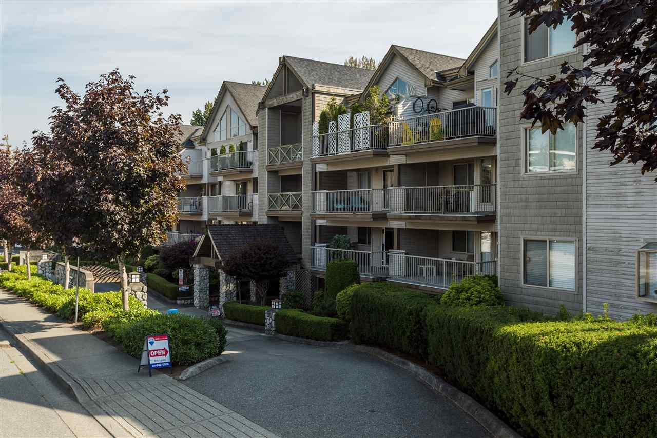 "Main Photo: 415 33478 ROBERTS Avenue in Abbotsford: Central Abbotsford Condo for sale in ""ASPEN CREEK"" : MLS® # R2204879"