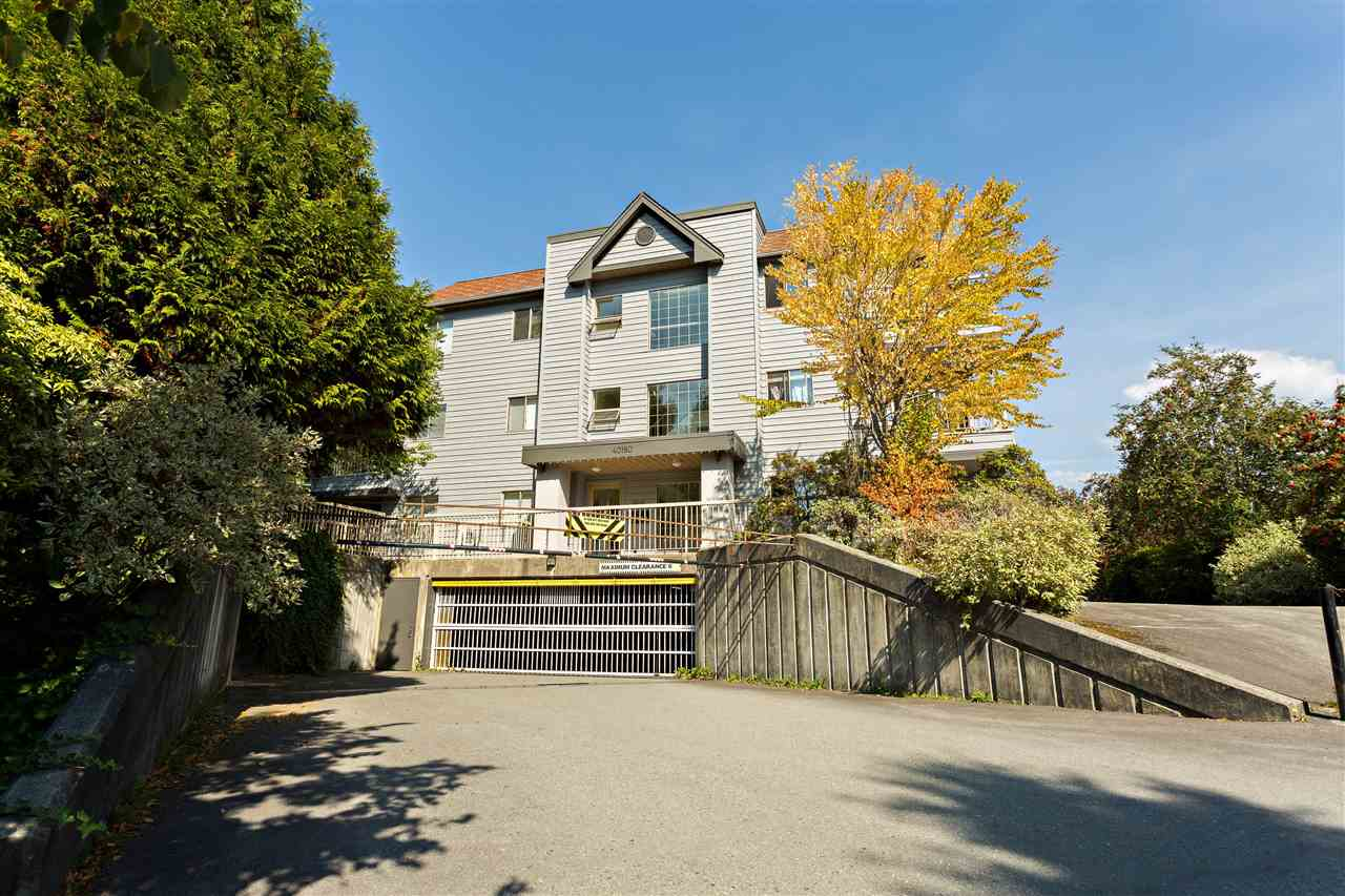 "Main Photo: E110 40180 WILLOW Crescent in Squamish: Garibaldi Estates Condo for sale in ""Diamond Head"" : MLS®# R2303718"