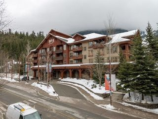 "Main Photo: 331C 2036 LONDON Lane in Whistler: Whistler Creek Condo for sale in ""Legends"" : MLS®# R2314449"