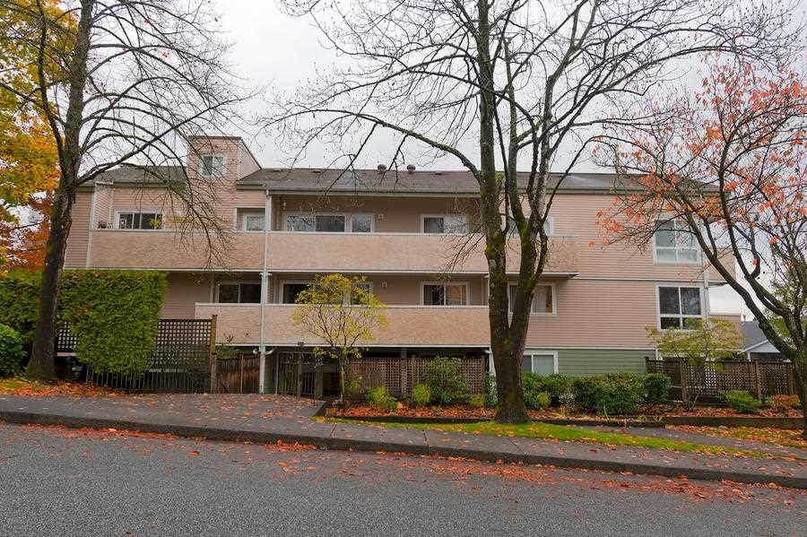 "Main Photo: 207 1006 CORNWALL Street in New Westminster: Uptown NW Condo for sale in ""CORNWALL TERRACE"" : MLS®# R2320902"