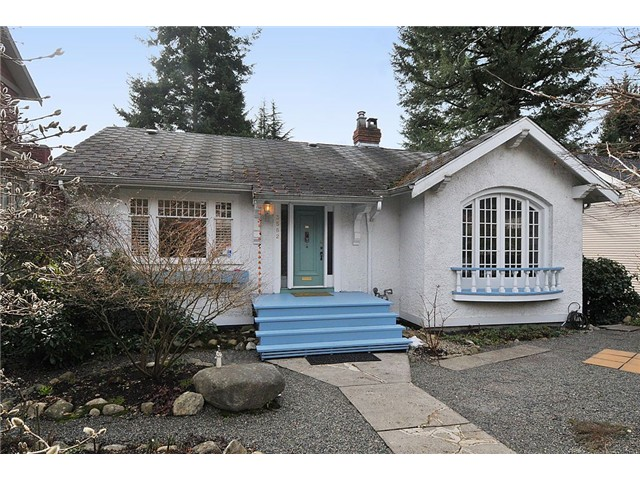 "Main Photo: 3582 W 37TH Avenue in Vancouver: Dunbar House for sale in ""DUNBAR"" (Vancouver West)  : MLS® # V872310"