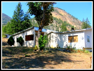 Main Photo: 1472 Highway 3A in Olalla: Manufactured for sale : MLS®# 144878