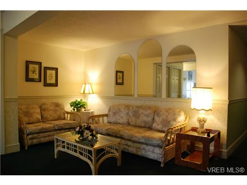 Photo 17: 102 9882 Fifth Street in SIDNEY: Si Sidney North-East Condo Apartment for sale (Sidney)  : MLS(r) # 333954