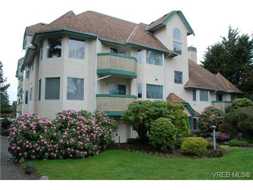 Main Photo: 102 9882 Fifth Street in SIDNEY: Si Sidney North-East Condo Apartment for sale (Sidney)  : MLS®# 333954