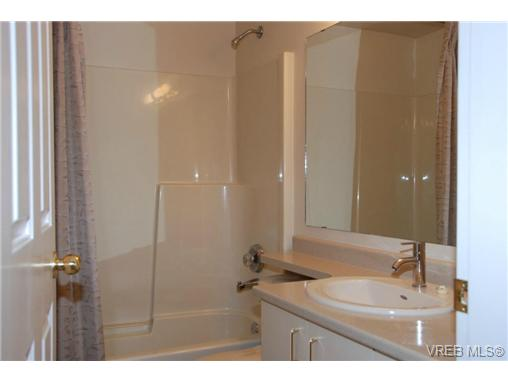Photo 13: 102 9882 Fifth Street in SIDNEY: Si Sidney North-East Condo Apartment for sale (Sidney)  : MLS(r) # 333954