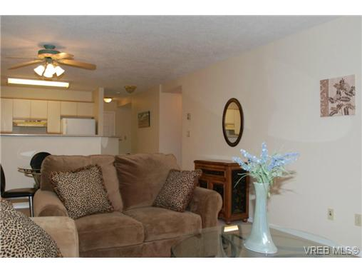 Photo 5: 102 9882 Fifth Street in SIDNEY: Si Sidney North-East Condo Apartment for sale (Sidney)  : MLS(r) # 333954