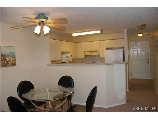 Photo 3: 102 9882 Fifth Street in SIDNEY: Si Sidney North-East Condo Apartment for sale (Sidney)  : MLS® # 333954