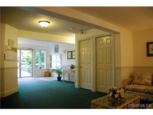 Photo 16: 102 9882 Fifth Street in SIDNEY: Si Sidney North-East Condo Apartment for sale (Sidney)  : MLS(r) # 333954