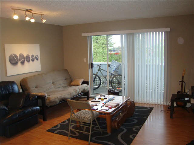 Photo 2: 305 2055 SUFFOLK Avenue in PORT COQ: Glenwood PQ Condo for sale (Port Coquitlam)  : MLS® # V1119217