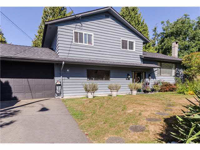 Main Photo: 5241 BELAIR Crescent in Tsawwassen: Cliff Drive House for sale : MLS®# V1140250