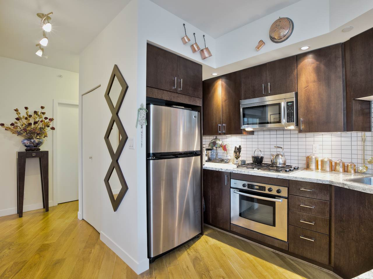 "Photo 9: 1105 1050 SMITHE Street in Vancouver: West End VW Condo for sale in ""Sterling"" (Vancouver West)  : MLS(r) # R2002085"