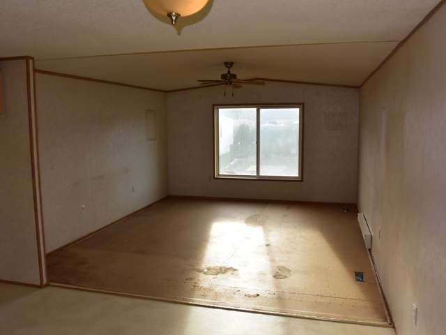 Photo 3: Photos: 43 240 G & M ROAD in : South Kamloops Manufactured Home/Prefab for sale (Kamloops)  : MLS® # 131996