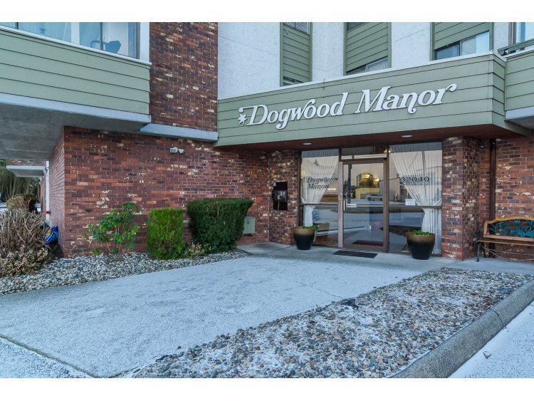 "Main Photo: 102 32040 PEARDONVILLE Road in Abbotsford: Abbotsford West Condo for sale in ""Dogwood Manor"" : MLS® # R2022074"