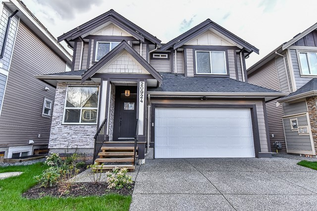Main Photo: 20924 81 Avenue in Langley: Willoughby Heights House for sale : MLS® # R2045651