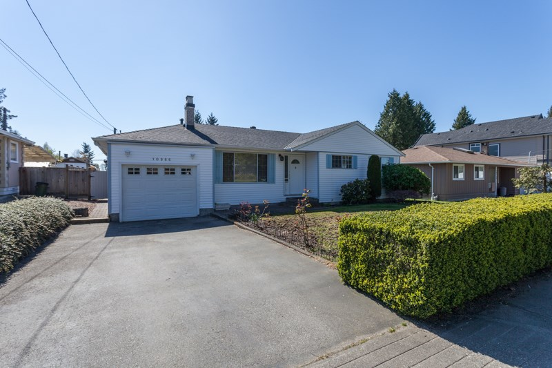 Main Photo: 10966 80 Avenue in Delta: Nordel House for sale (N. Delta)  : MLS® # R2052862