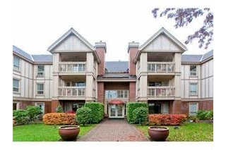 "Main Photo: 215 843 22ND Street in West Vancouver: Dundarave Condo for sale in ""Tudor Gardens"" : MLS® # R2073947"