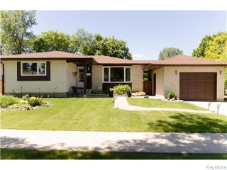 Main Photo: 114 Carlotta Crescent in Winnipeg: Charleswood Residential for sale (South Winnipeg)  : MLS® # 1616823