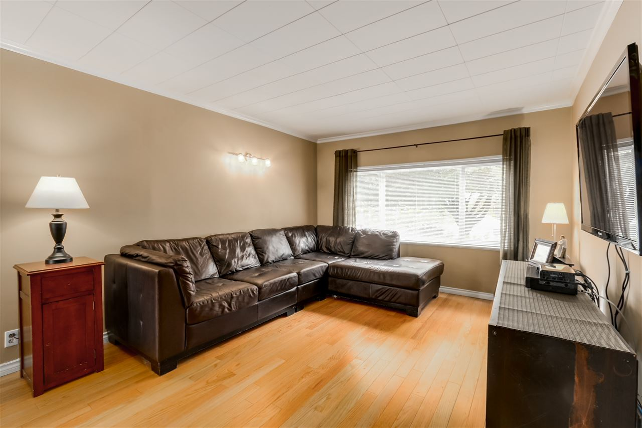Photo 5: 2977 E 29TH Avenue in Vancouver: Renfrew Heights House for sale (Vancouver East)  : MLS® # R2086779