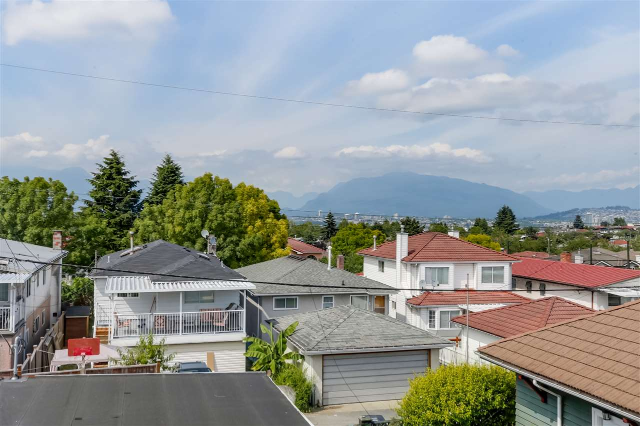 Photo 15: 2977 E 29TH Avenue in Vancouver: Renfrew Heights House for sale (Vancouver East)  : MLS® # R2086779