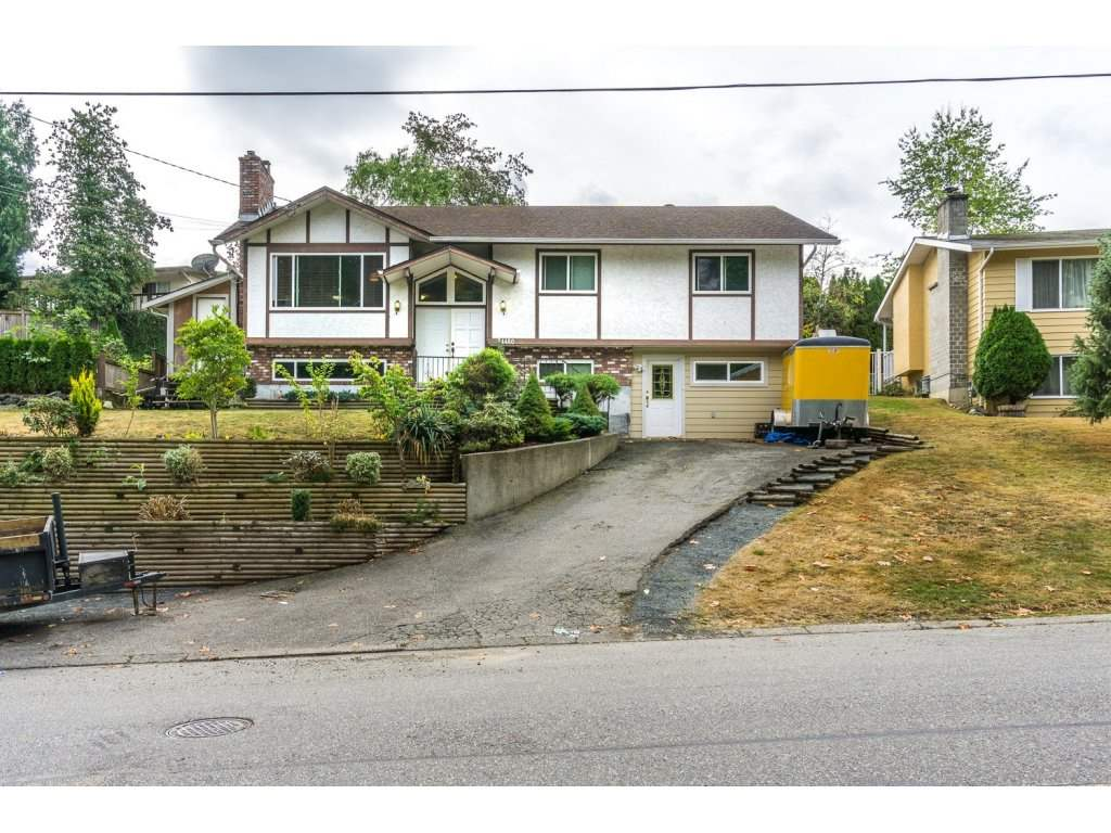 "Main Photo: 34480 LABURNUM Avenue in Abbotsford: Abbotsford East House for sale in ""Bateman"" : MLS® # R2104922"