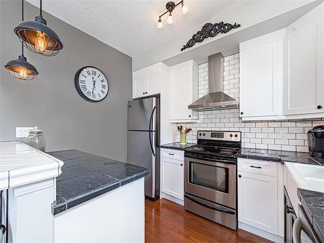 Photo 9: 35 43 SPRINGBOROUGH Boulevard SW in Calgary: Springbank Hill House for sale : MLS(r) # C4083171