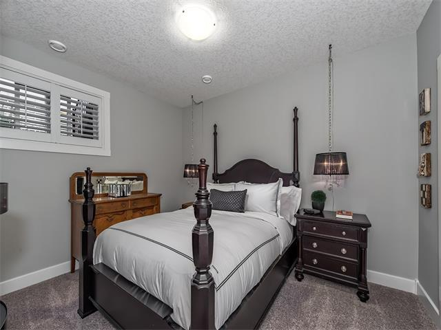 Photo 15: 35 43 SPRINGBOROUGH Boulevard SW in Calgary: Springbank Hill House for sale : MLS(r) # C4083171