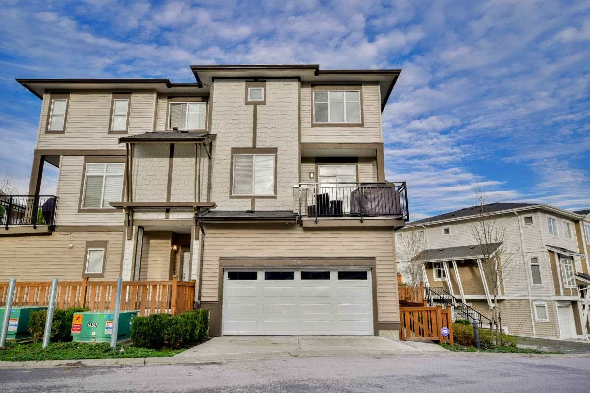"Main Photo: 34 19433 68 Avenue in Surrey: Clayton Townhouse for sale in ""The Grove"" (Cloverdale)  : MLS® # R2123244"