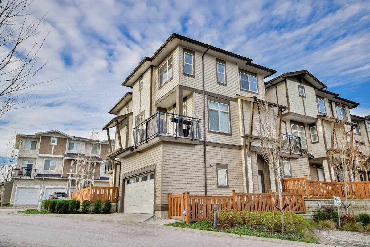 "Photo 2: 34 19433 68 Avenue in Surrey: Clayton Townhouse for sale in ""The Grove"" (Cloverdale)  : MLS® # R2123244"