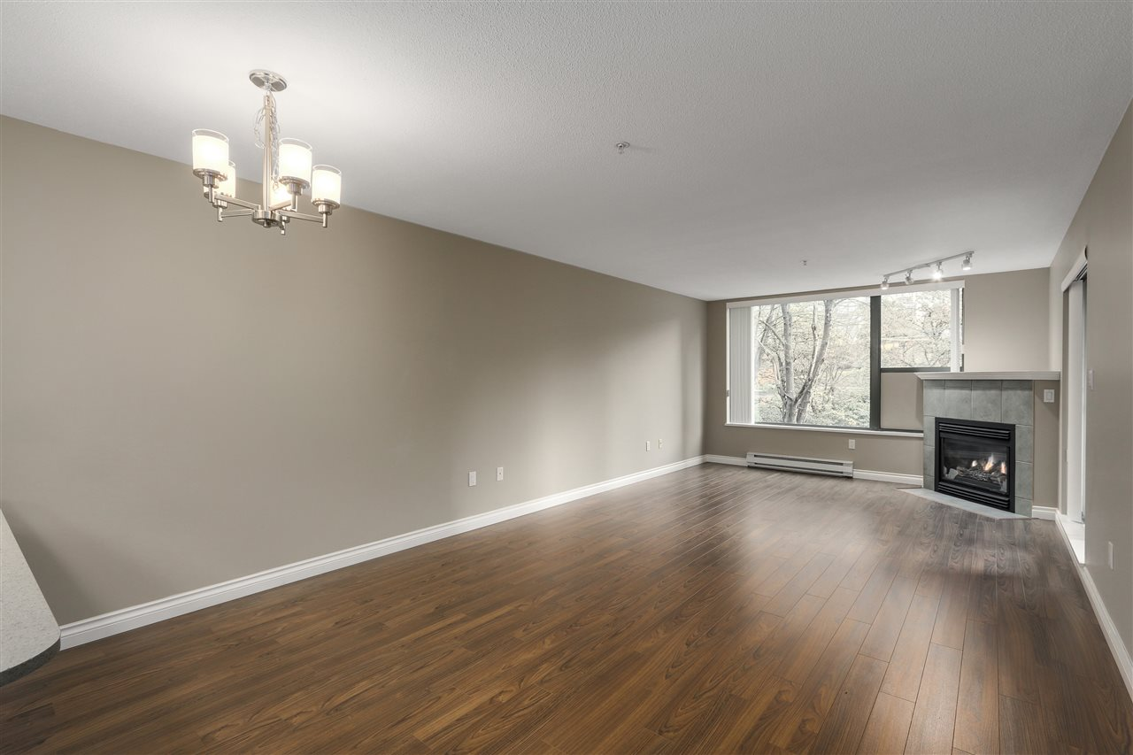"Photo 3: 311 260 NEWPORT Drive in Port Moody: North Shore Pt Moody Condo for sale in ""MCNAIR"" : MLS(r) # R2125780"