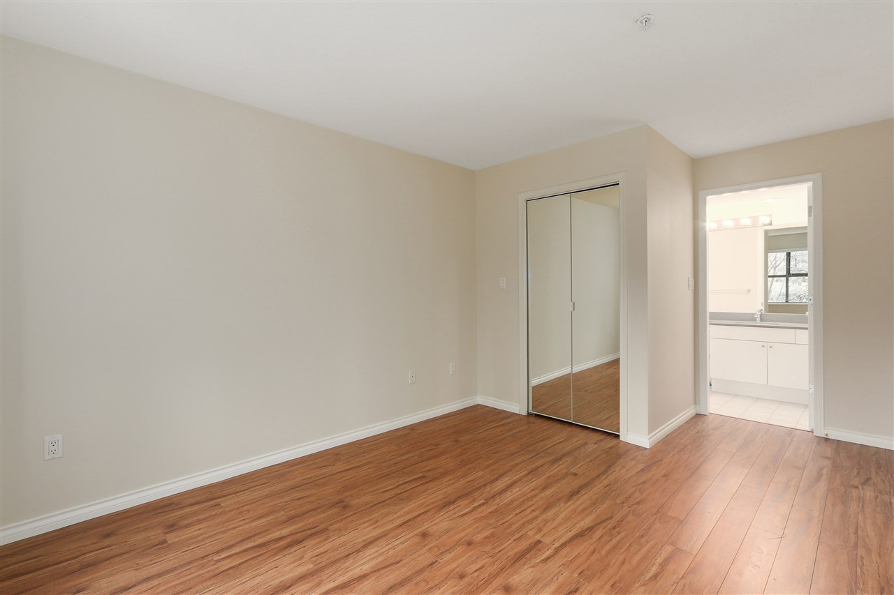 "Photo 11: 311 260 NEWPORT Drive in Port Moody: North Shore Pt Moody Condo for sale in ""MCNAIR"" : MLS(r) # R2125780"