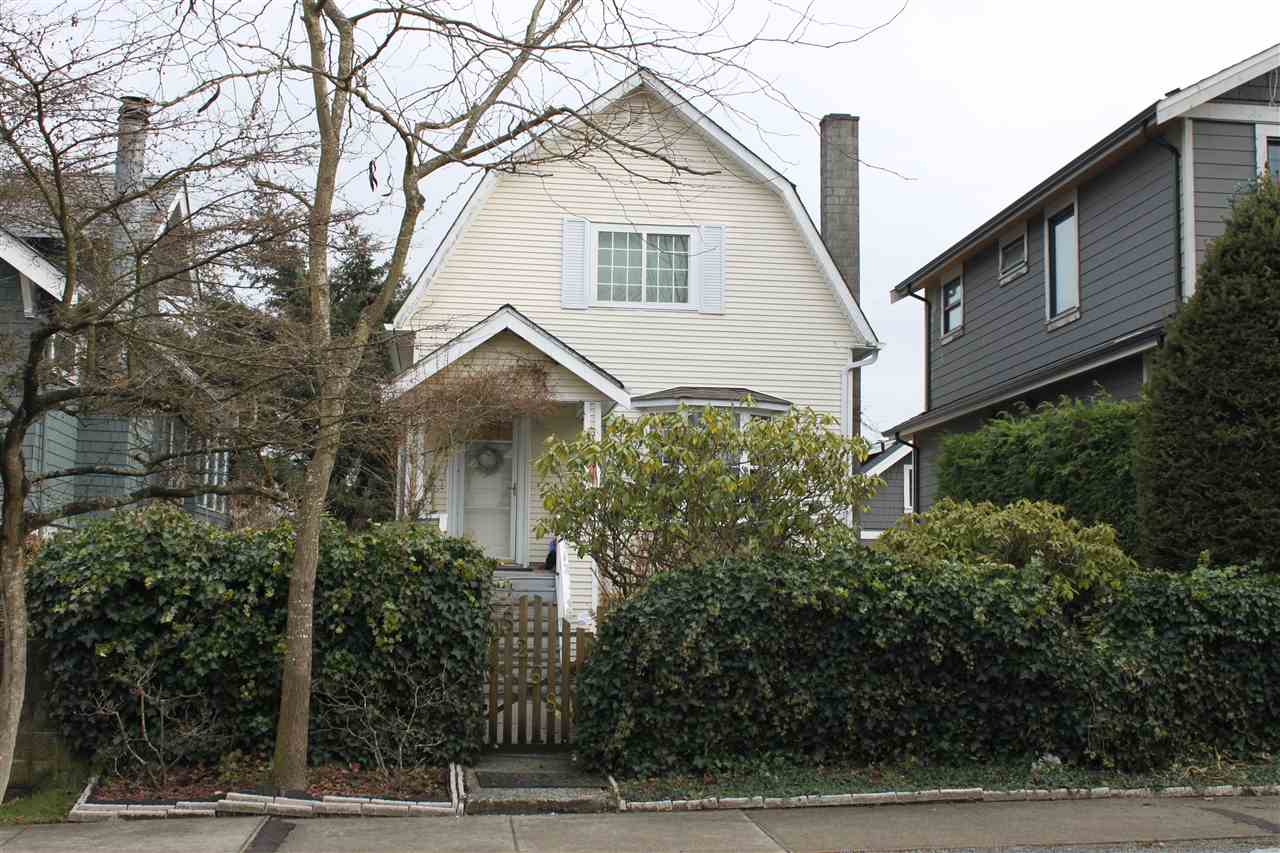 Main Photo: 5268 PRINCE EDWARD Street in Vancouver: Fraser VE House for sale (Vancouver East)  : MLS®# R2136305