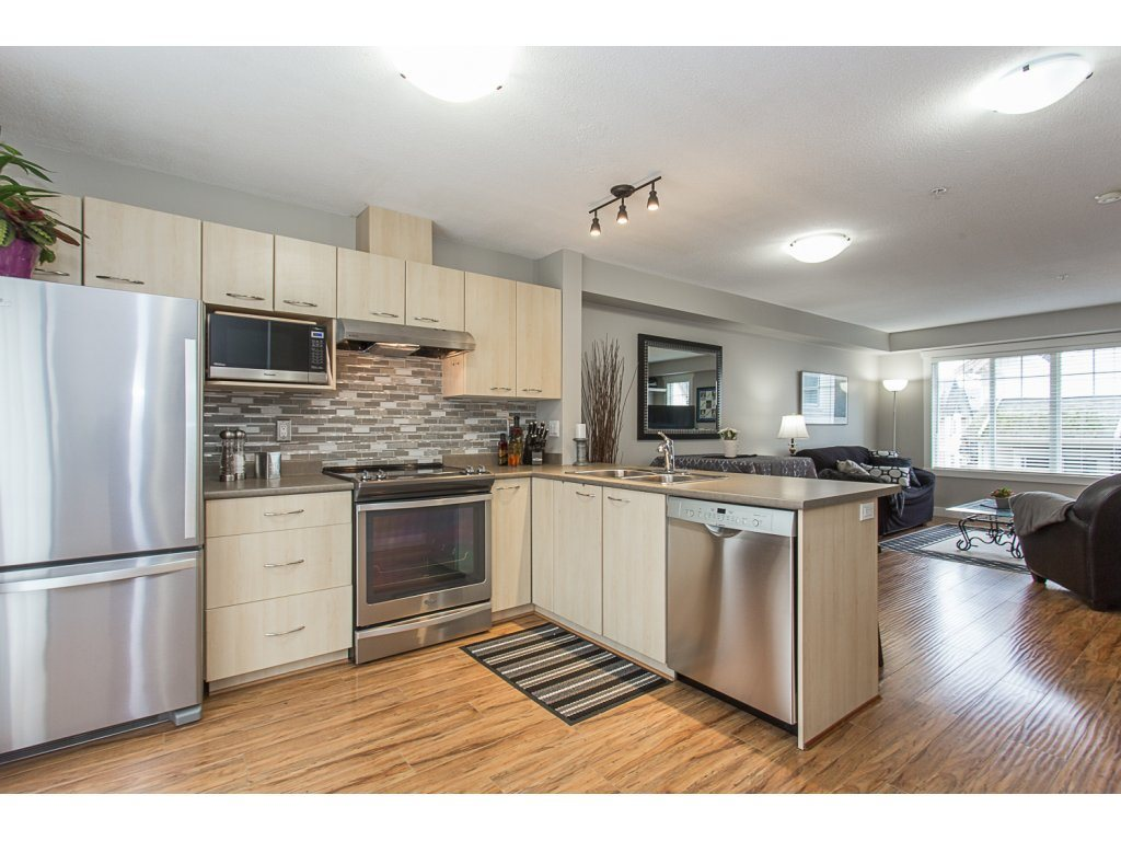 "Photo 9: 22 20176 68 Avenue in Langley: Willoughby Heights Townhouse for sale in ""STEEPLECHASE"" : MLS(r) # R2146576"