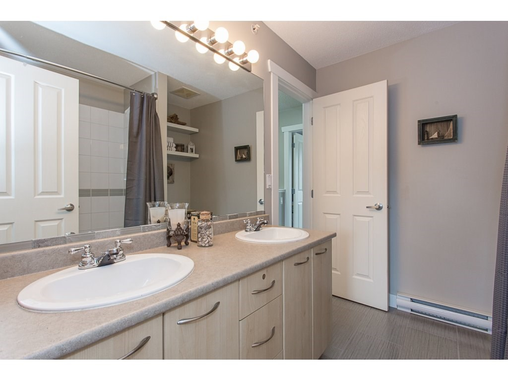"Photo 13: 22 20176 68 Avenue in Langley: Willoughby Heights Townhouse for sale in ""STEEPLECHASE"" : MLS(r) # R2146576"