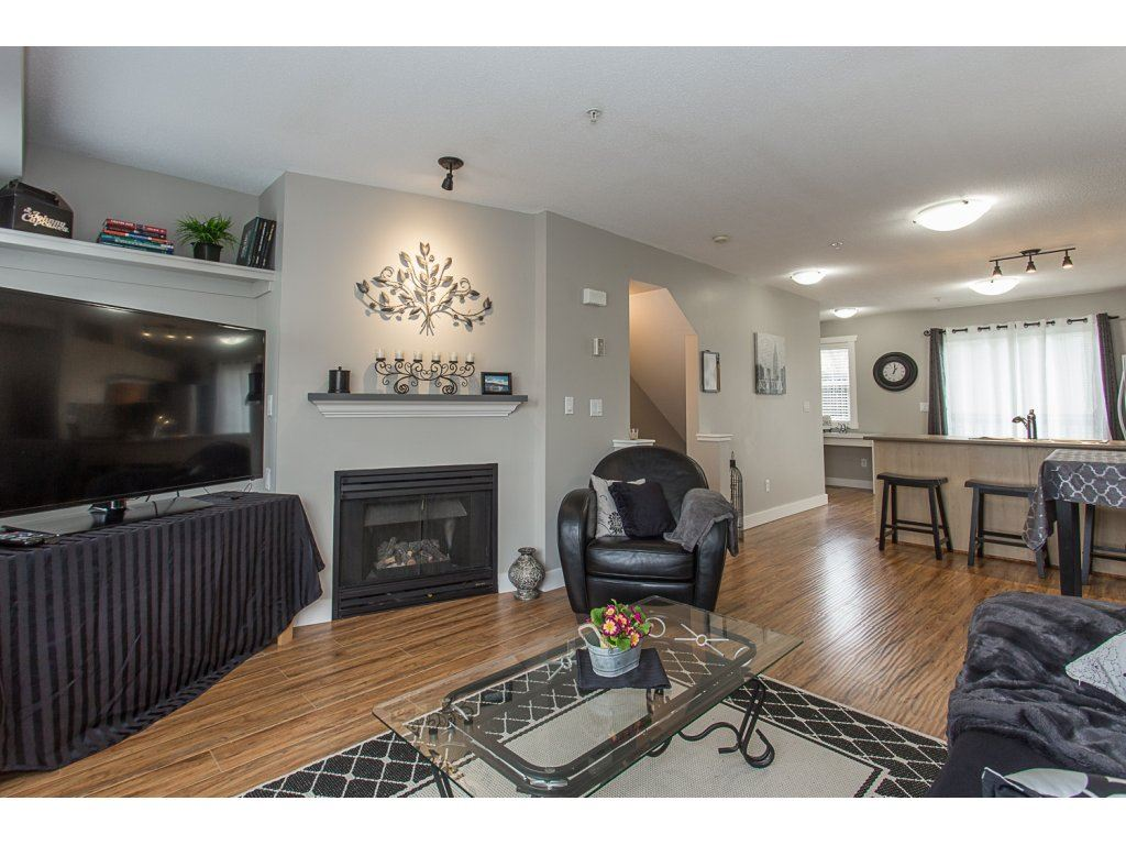 "Photo 4: 22 20176 68 Avenue in Langley: Willoughby Heights Townhouse for sale in ""STEEPLECHASE"" : MLS(r) # R2146576"