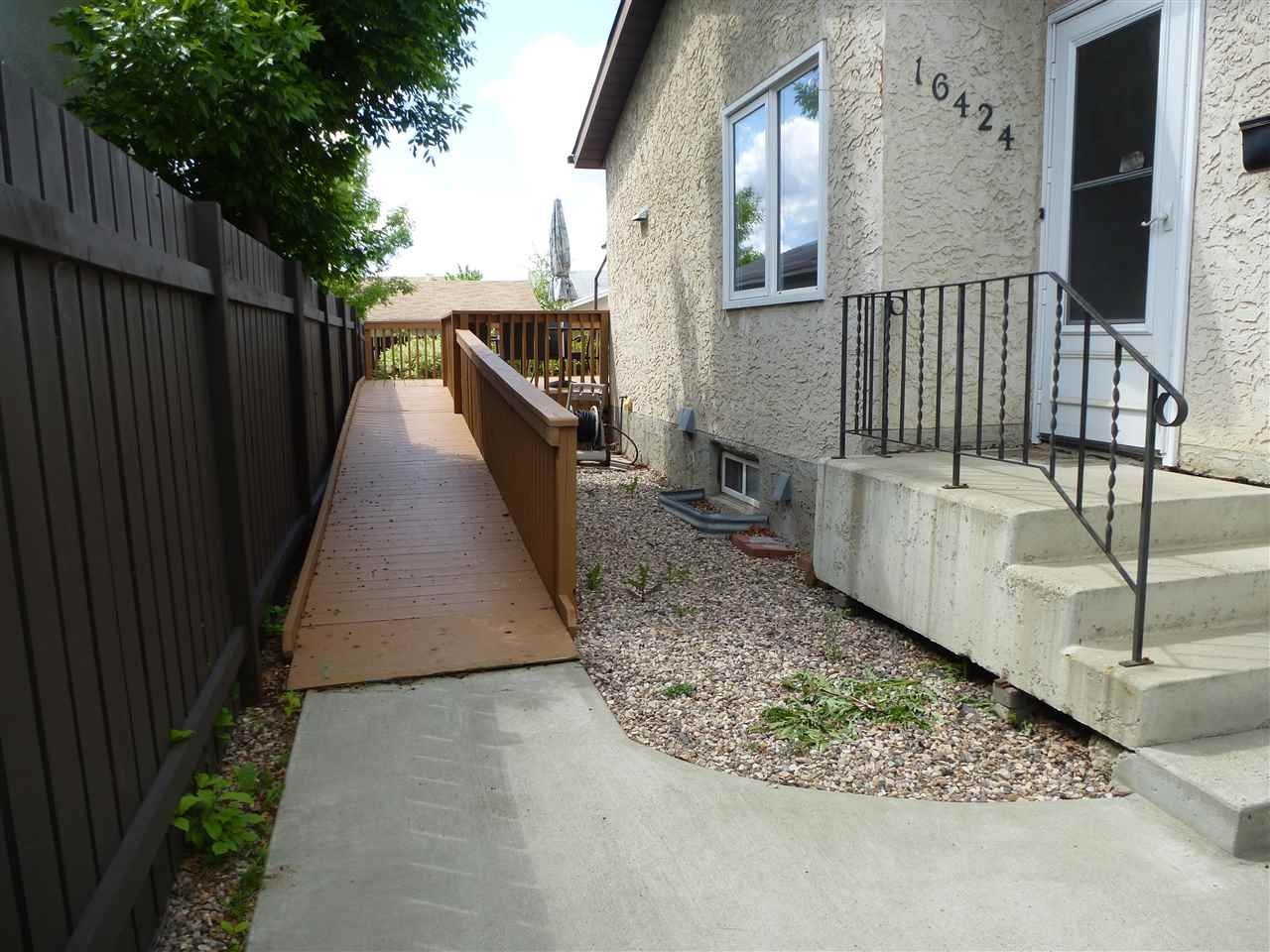 Photo 26: 16424 100 Street in Edmonton: Zone 27 House for sale : MLS(r) # E4059470