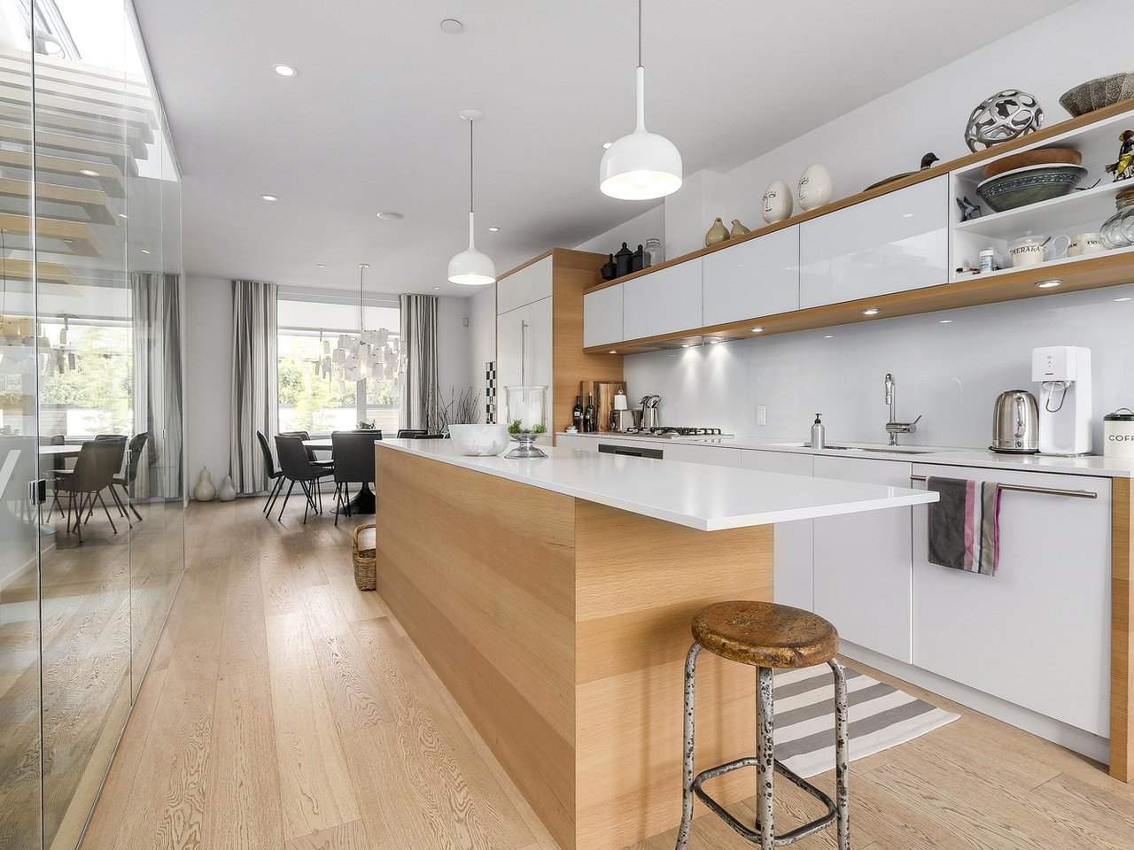 "Photo 2: 1887 W 2ND Avenue in Vancouver: Kitsilano Townhouse for sale in ""Blanc"" (Vancouver West)  : MLS® # R2164681"