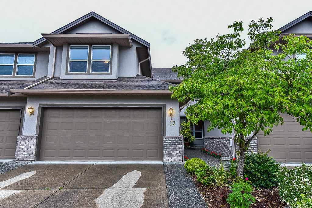 "Main Photo: 12 2525 YALE Court in Abbotsford: Abbotsford East Townhouse for sale in ""Yale Court"" : MLS(r) # R2170128"