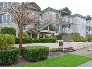 "Main Photo: 208 10665 139 Street in Surrey: Whalley Condo for sale in ""CRESTVIEW COURT"" (North Surrey)  : MLS(r) # R2177022"