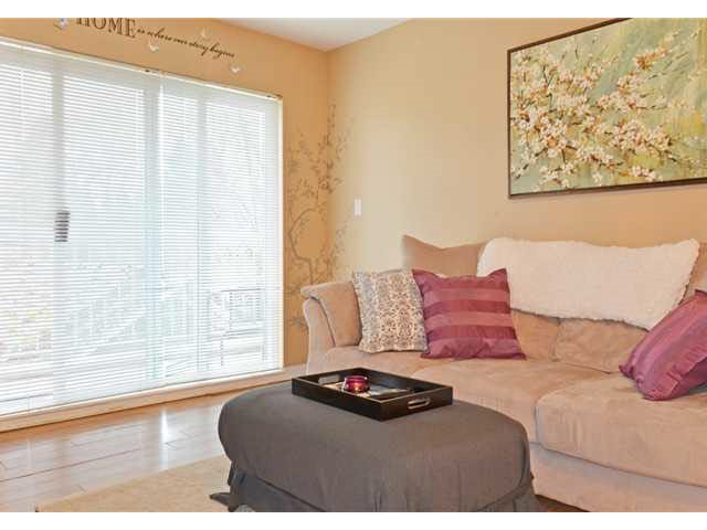 "Photo 2: 208 10665 139 Street in Surrey: Whalley Condo for sale in ""CRESTVIEW COURT"" (North Surrey)  : MLS® # R2177022"